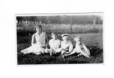 James kids June 1930
