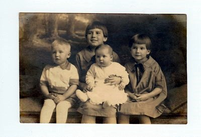 James kids 1925.  Alice as a baby.